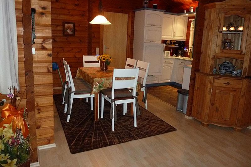 Wohn-, Küchen- und Essbereich